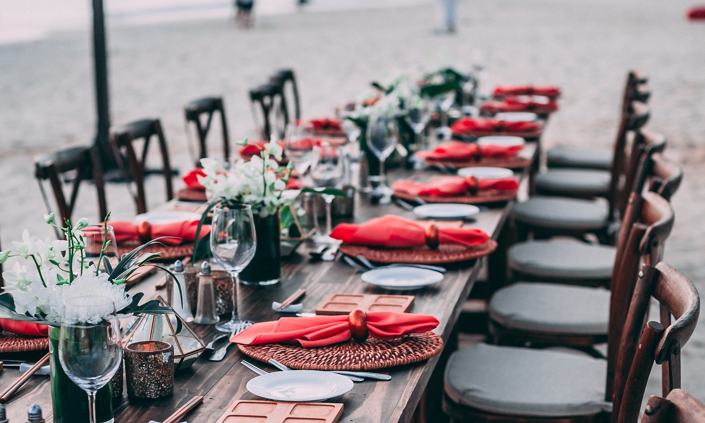 78-events_marc-babin-716173-unsplash_catering durable